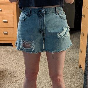 Levi's 550 High Waist Cut Off Shorts